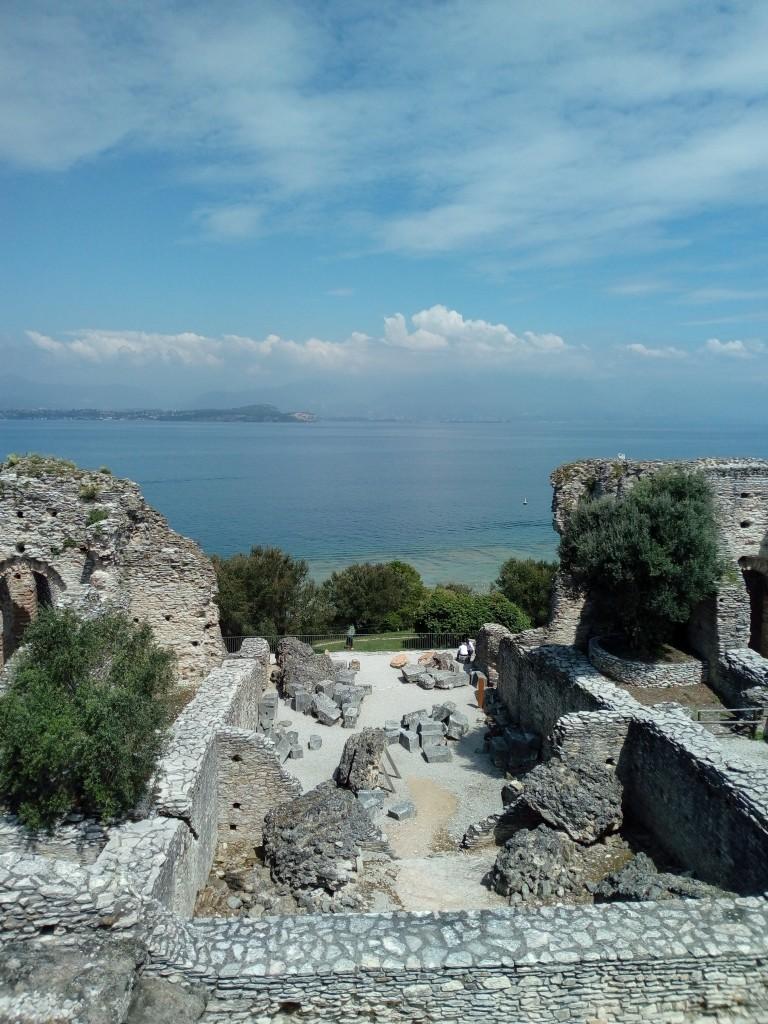 """Sito archeologico """"Grotte di Catullo"""""""